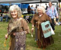 <h2>Women Dancers