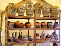<h2>Navajo Pottery </h2><p>September 26, 2009Photography by Awahili<br></p>