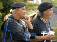 <h2>Nighthawk Troutman & Jerry 2 Feather Thornton</h2><p>October 10, 2009Photography by Wahiya<br></p>